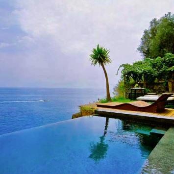 最高のバリ島のインフィニティ・プールのあるホテル