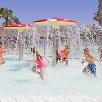 hotels-with-children-pool