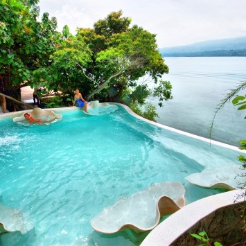 hotels-with-pools